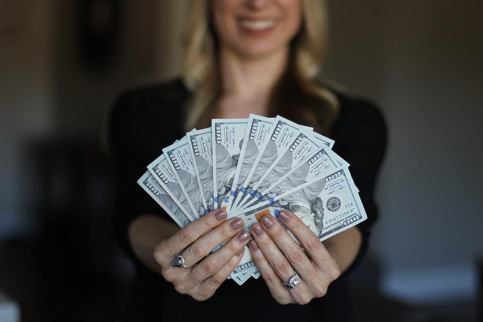 dinheiro dolar imoveis